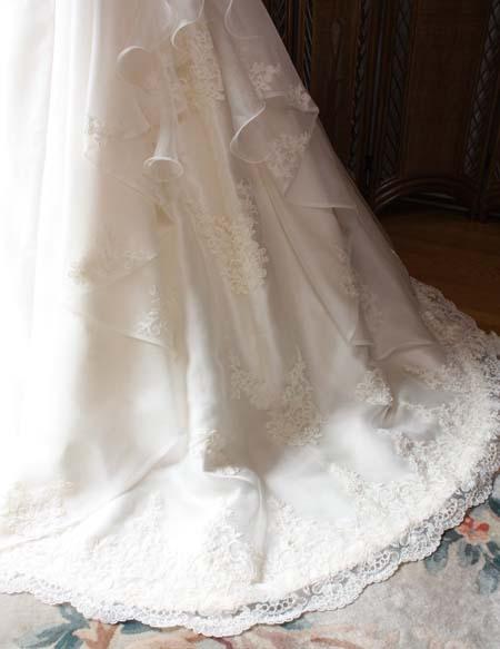 ウェディングドレスに使用するリバレース