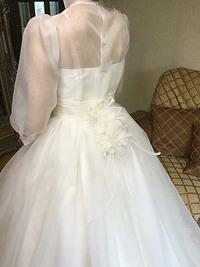 ウェディングドレスの本仮縫。最終調整。アトリエで打合せ。