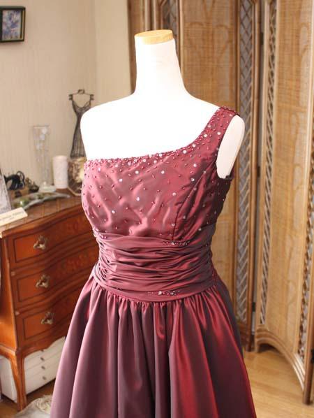 セレモニーや結婚式に人気のドレス
