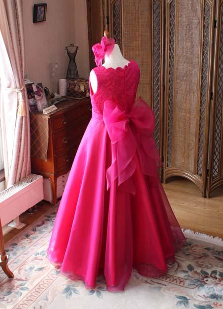 大きなリボンが特徴の子供ドレス オーダー
