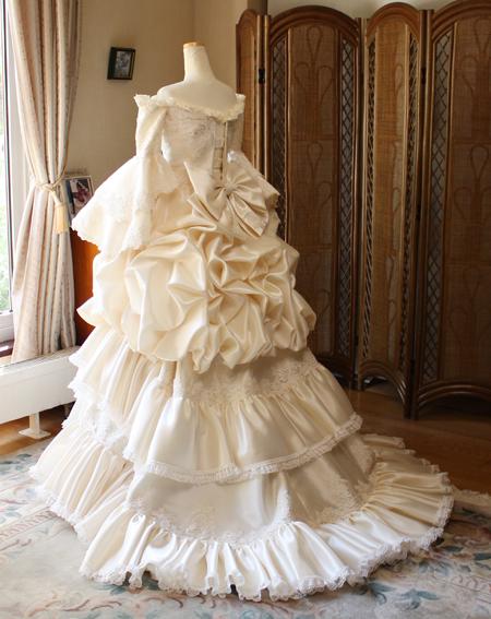中世ヨーロッパ ドレス