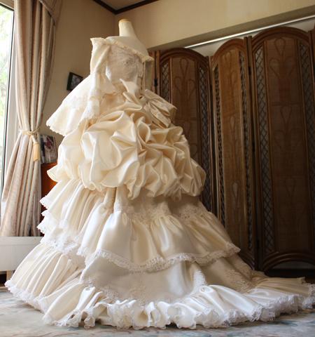 アンティークウェディングドレス バックスタイル