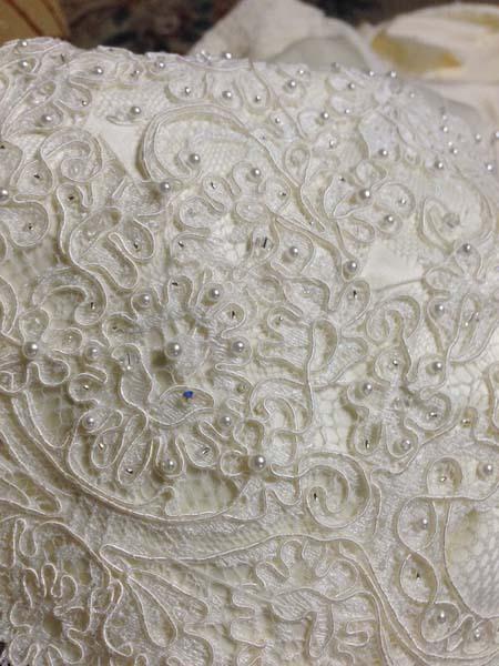ハンドメイドでウェディングドレスを作るドレスショップ
