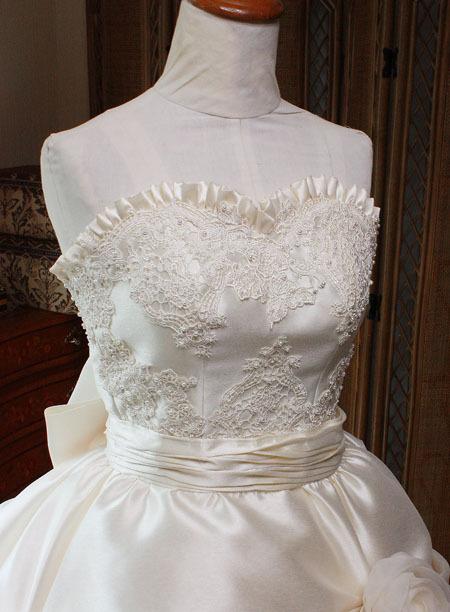 ウェディングドレス ハートライン