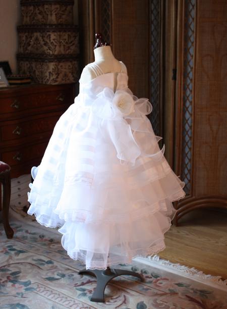 子供用ウェディングドレス バックスタイル