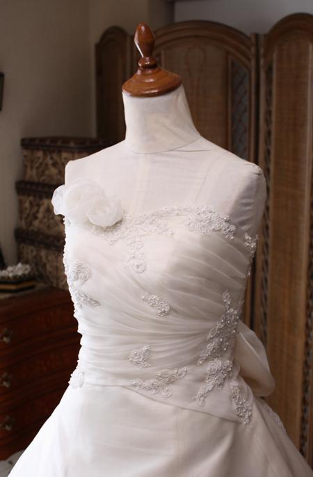 ハートライン ウェディングドレスのビスチェ