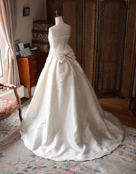 ウェディングドレス リーフスカート