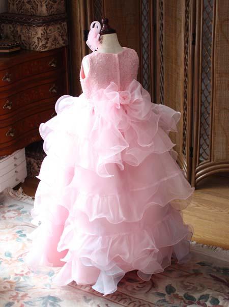 子供用発表会ドレス。ピンクカラー。ボリューミースカート。オーダーメイド
