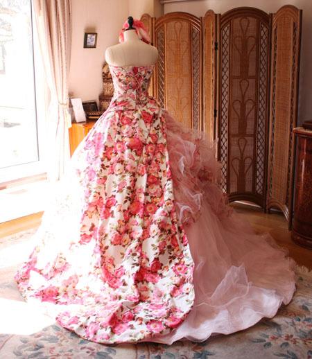 バックスタイル カクテルドレス ライトピンク プリント柄ドレス