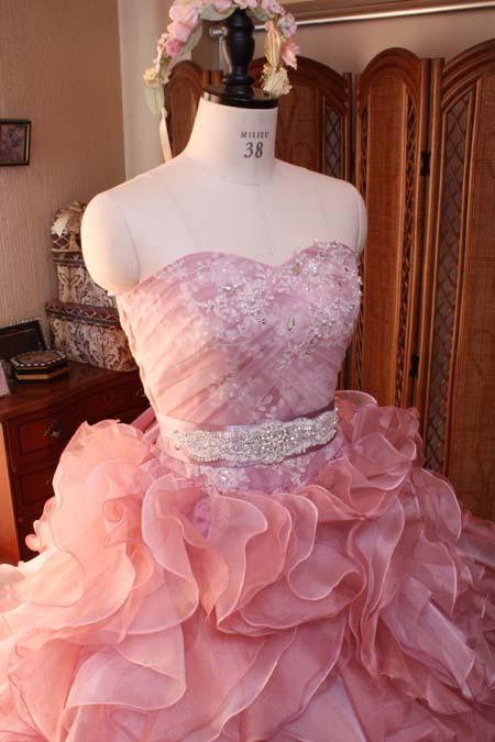 結婚式ドレス選び。トップス(上半身)のデザインについて。