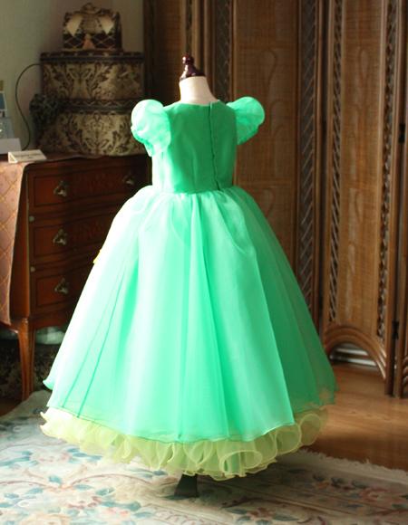子供用ドレスをオーダーで製作