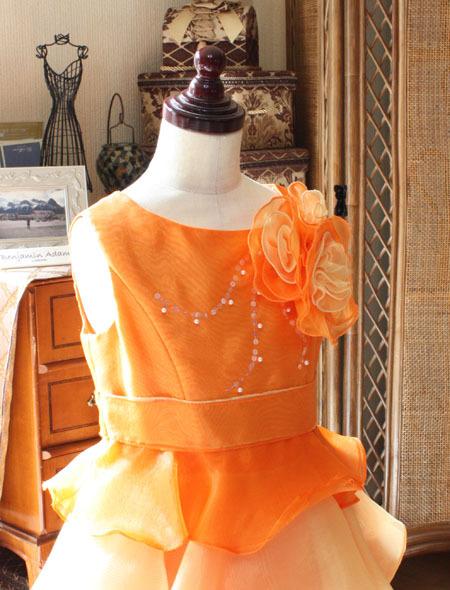 子供用ドレスのトップスデザイン