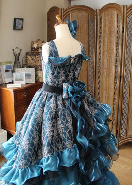 豪華なジュニアサイズドレス ウェスト、スカート、ポイントデザインの詳細