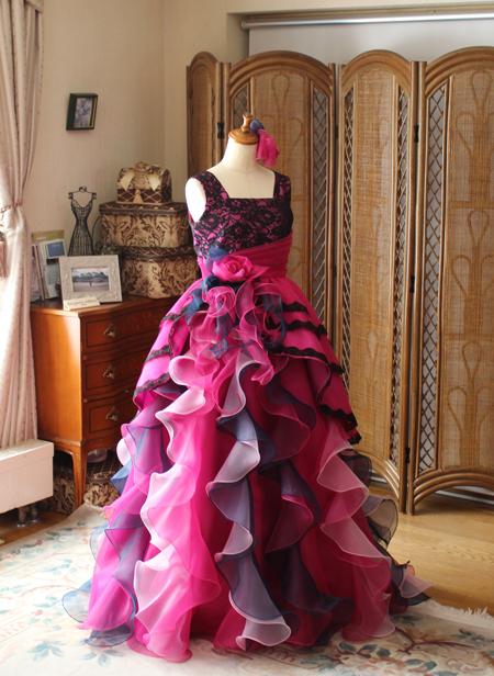 ピンクのピアノの演奏会ドレス