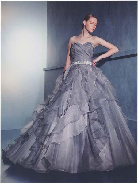 カラードレス。スタイル良く見せるお色直しドレス。先行予約
