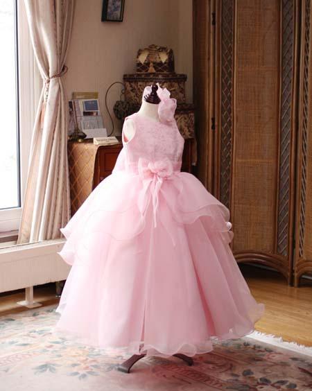 ピンクのコンサートドレス ピアノ用
