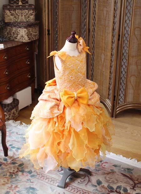 オレンジカラーのコンサートドレス キッズドレス