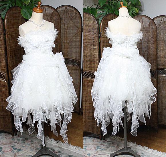 ショート丈のウェディングドレス