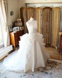 海外ウェディングでは、オーダーメイドウェディングドレスが好評!花嫁の理想を表現するオーダーメイド制作