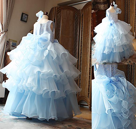 ウェディングドレスのような子供用のキッズドレス ブルードレス