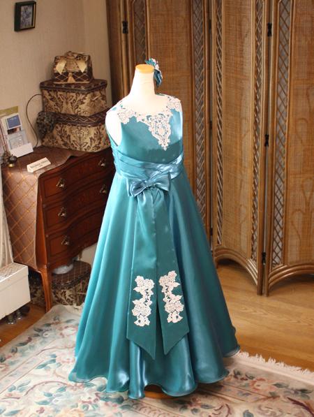 コンクールドレス アンティークグリーンのドレス