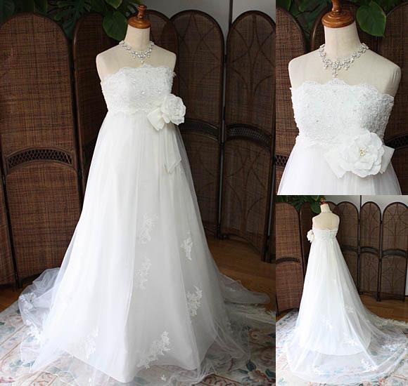 エンパイアラインのウェディングドレス。レンタル、セミオーダー、フルオーダーで対応。札幌店とさいたま店
