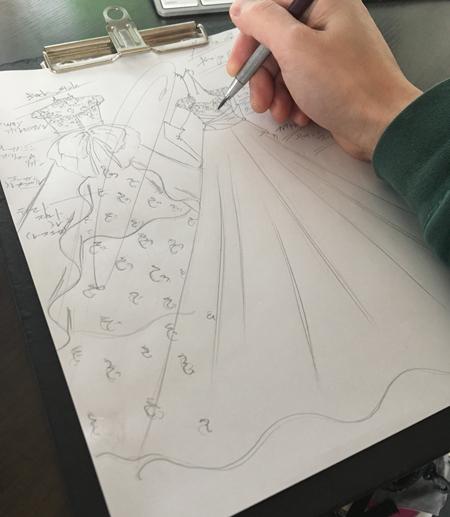 オーダーメイドウェディングドレスのデザイン。北海道の花嫁様に描いたドレス