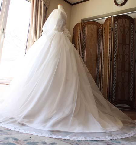ベルラインのウェディングドレス シルエット