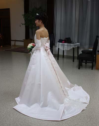 シルクのウェディングドレス