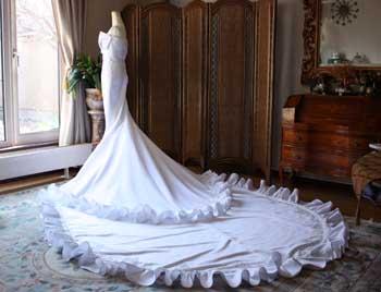 ウェディングドレス ロングトレーン