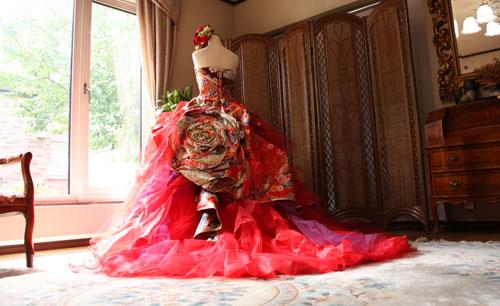 赤い着物のドレス