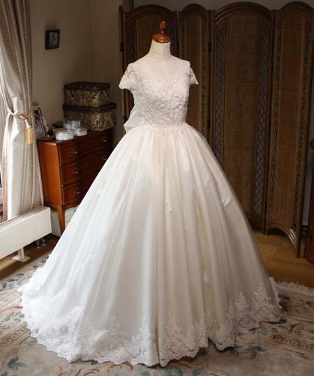 シルクウェディングドレス