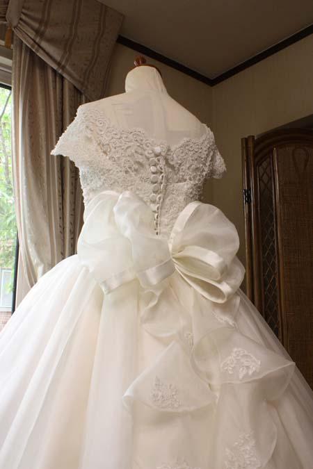 リボン ウェディングドレス