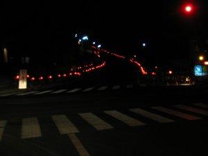 この道は~まるで滑走路、夜空に続く~♪