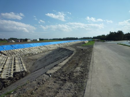 これが音更川の堤防洗掘現場だ!