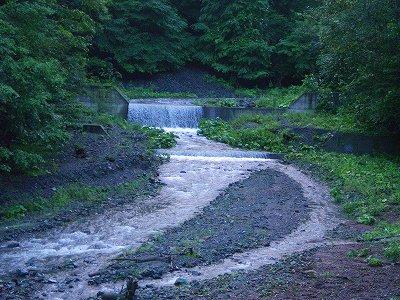 静内川支流域の砂防、堰堤