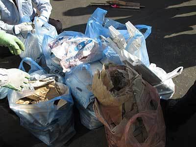 町内会でゴミ拾い