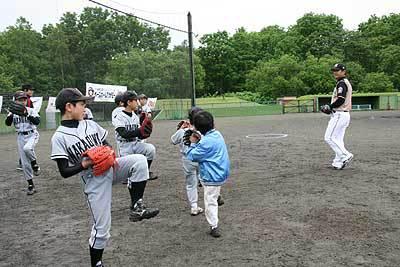 日ハムの元プロ選手と野球教室