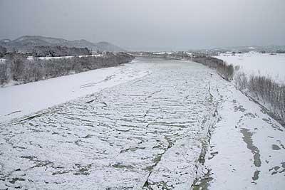 天塩川にスノージャム