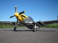 マスタングの初飛行