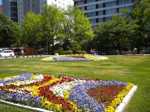 植物いっぱいの札幌大通公園